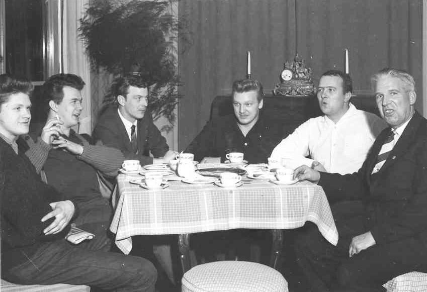 Bengt Hollén med elever.