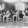 Fröken Edit Nilssons skolklass 1914.