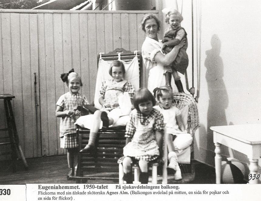På balkongen till sjukavd. 1950-talet.