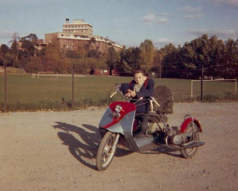 Björn på sin moppe 1961.