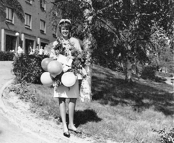 Sylvia Johansson, examen 1964.