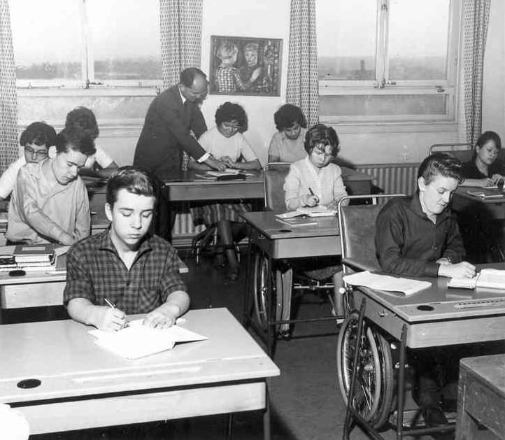 Klass 4:4 i klassrummet på 8 tr 1963-64.