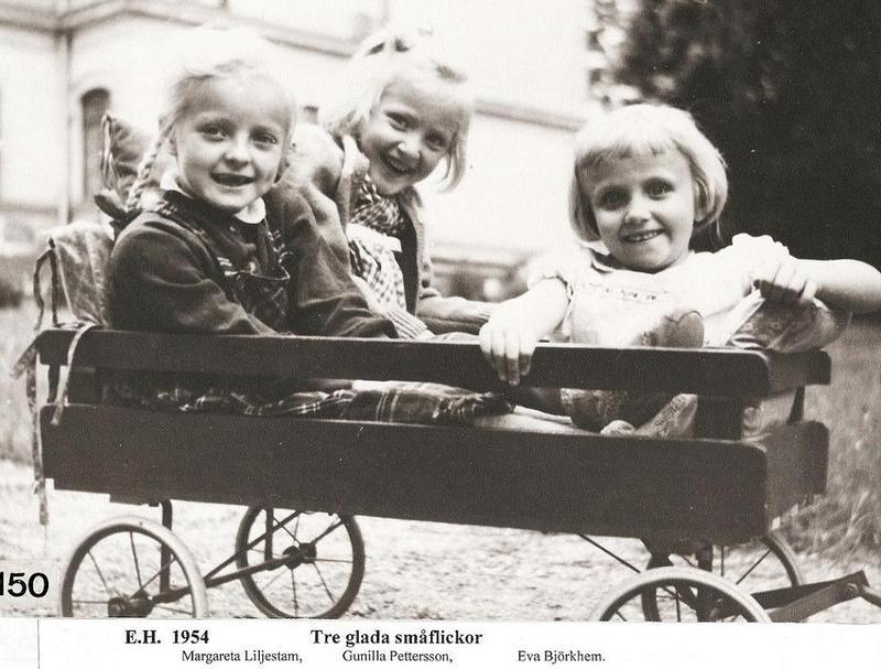 Tre glada små flickor 1954.