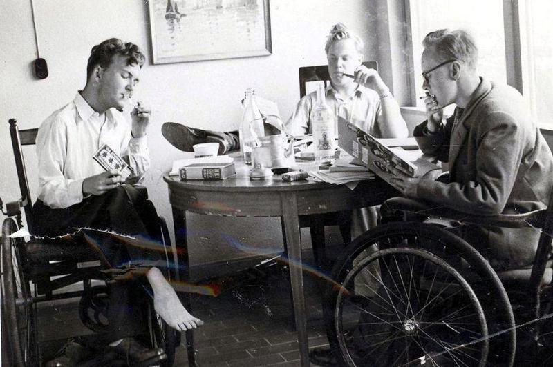 Pluggar i rökrummet på Björnidet 1952.