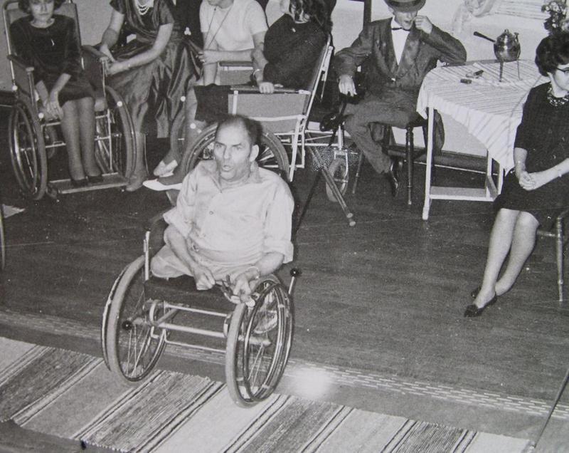 K-G sjunger på höstfesten 1961.