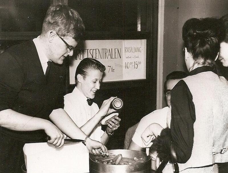 Varm korv servering 1964.