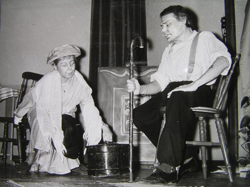 Biz och Lasse Gladh spelar teater.