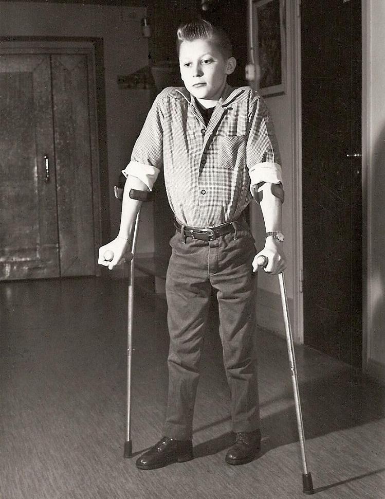"""Rolf Johansson fotomodell till """"Invarosen"""" 1959."""
