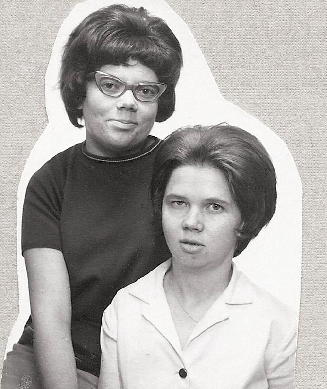 Inger Nilsson och Siv Nyman examen 1964.
