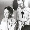 Mor Greta och skolfröken Anna Berger.