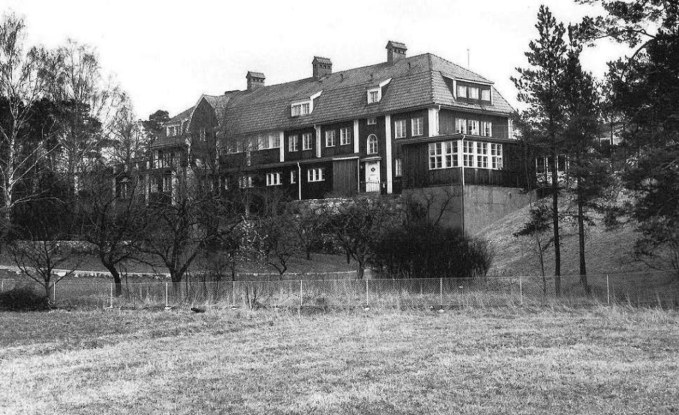 Lidingöhemmets baksida fotat 1968.