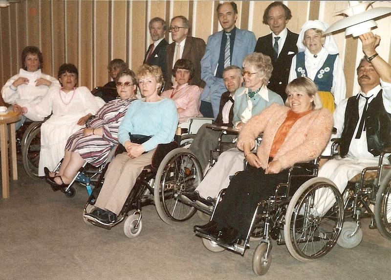 Återträff på 80-talet med en realskoleklass.
